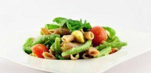 Lauwwarme pastasalade met boontjes