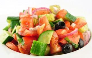 Turkse herdersalade (Coban salatasi)
