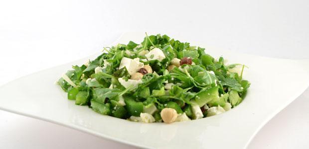 Salade met bloemkool en paprika
