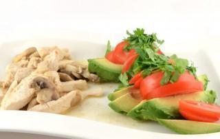 Mexicaanse kip met avocadosalade