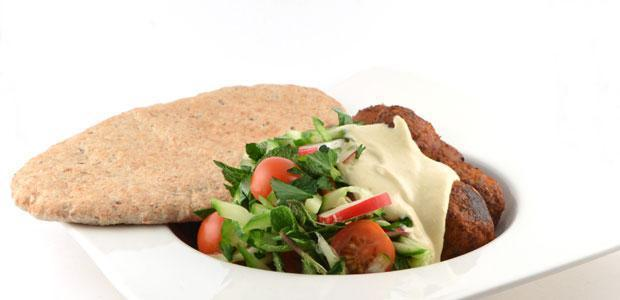 Pitabroodje met falafel en hummus