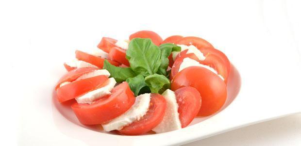 Salade Caprese (Insalata Caprese)