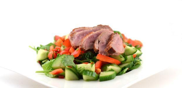 Eendenborstfilet met pittige salade