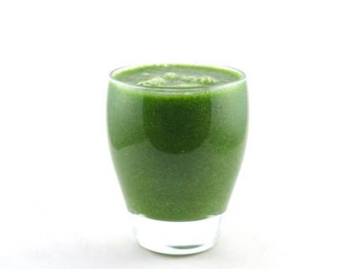 Veldsla komkommer peer kiwi smoothie