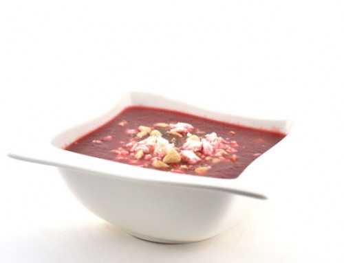 Rode bietensoep met feta