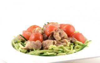 Courgetti met pesto en kip