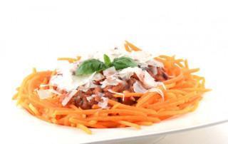 Pompoenspaghetti met vega gehaktsaus