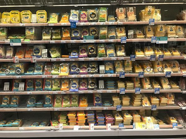 Wat is gezond in de supermarkt en wat niet? Kaas in plakken