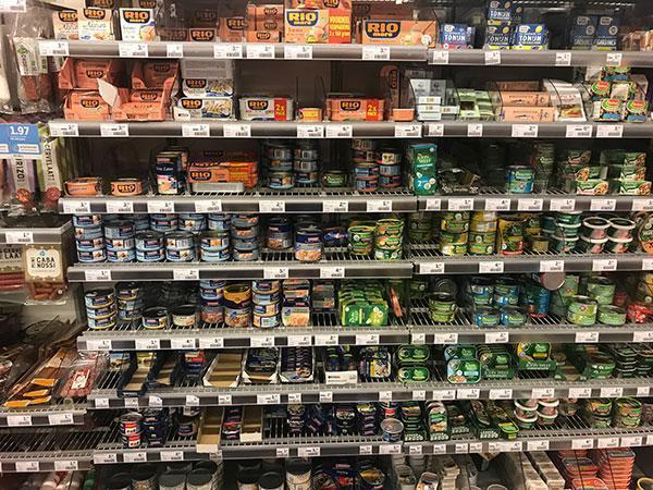 Wat is gezond in de supermarkt en wat niet? Vis in blik