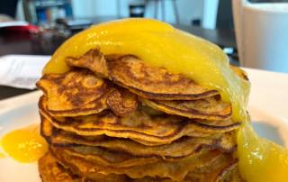 Wortelpannenkoekjes met mangopuree