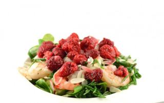 Salade met gamba's en frambozen